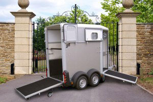 HB506 Ifor Williams Horsebox, Westwood New Trailers, Silver