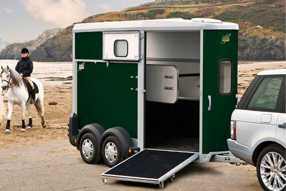 HB506 Ifor Williams Horsebox, Westwood New Trailer, Green,
