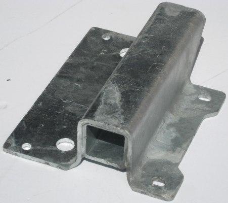 Bracket Ramp Axle Pivot RHS GX 6' Models